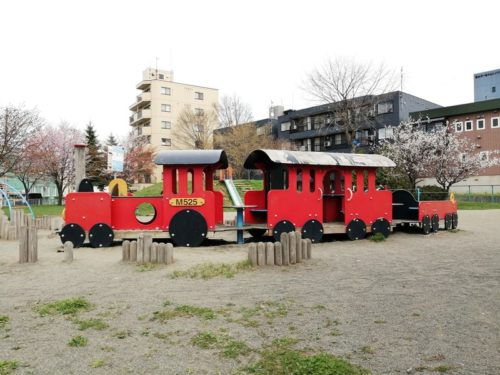機関車遊具