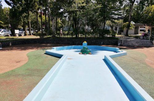 水の吹き出し側プール