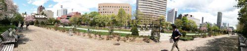 パノラマによる大通公園12丁目全体。