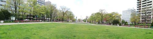 パノラマによる大通公園10丁目全体。