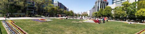パノラマによる大通公園3丁目全体。