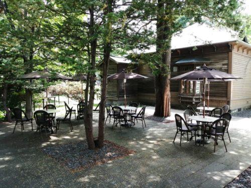 旧三菱鉱業寮裏のカフェテラス