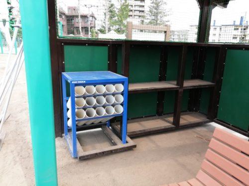 選手用のベンチ