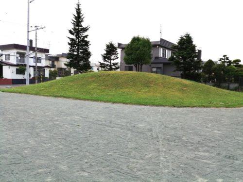 1.5メートルほどの高さの山
