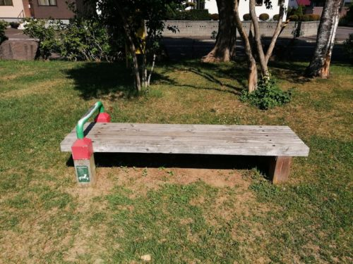 シットアップベンチの健康遊具