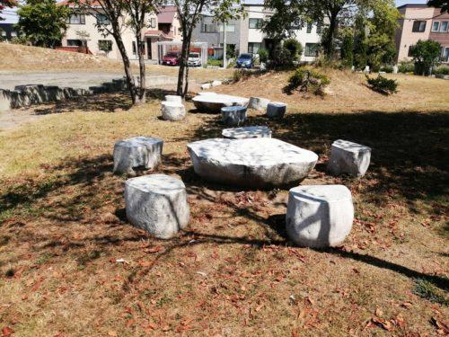 石のテーブルベンチセット