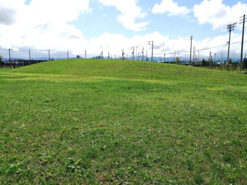 2.5メートルほどの高さの山