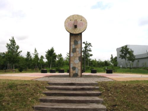 モニュメント(日時計)