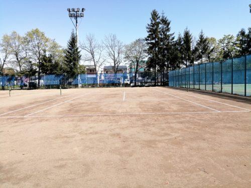 軟式テニスコート