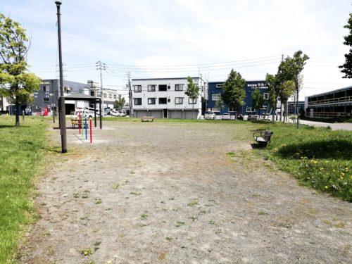 グランドの多目的広場