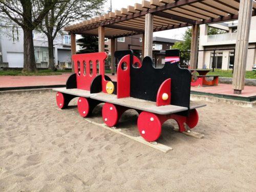 汽車の模型遊具