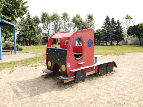 トラックの模型遊具